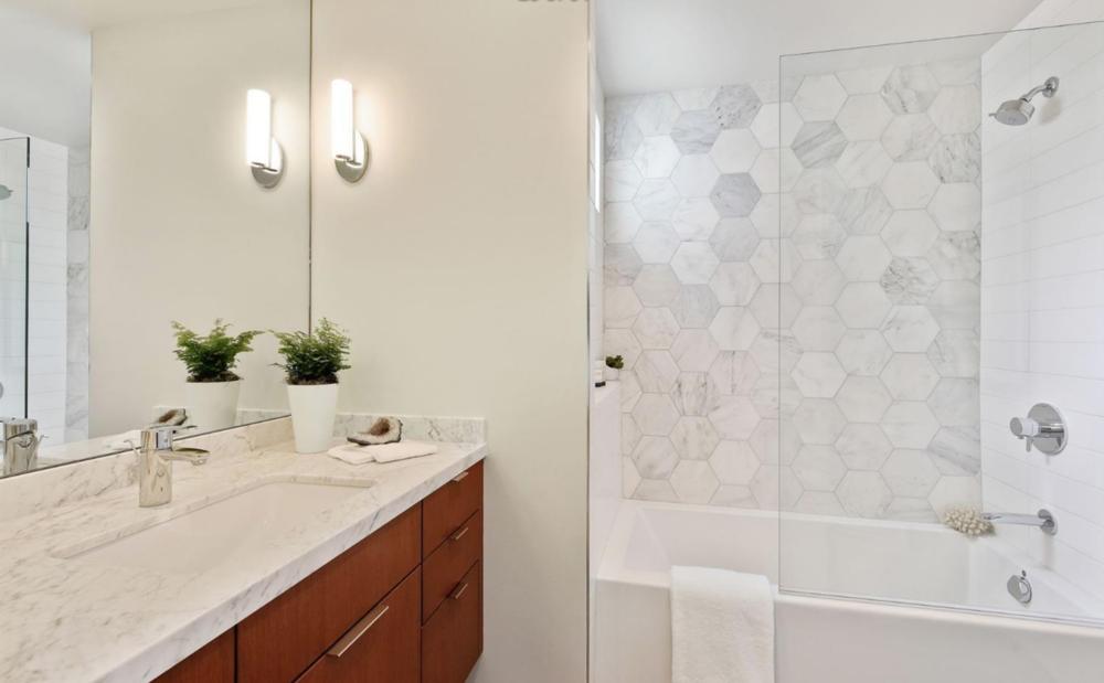 278 Chenery St - Master Bathroom