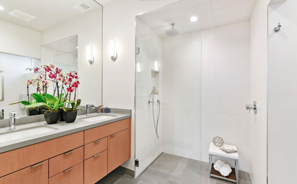 278 Chenery St - Bathroom Suite