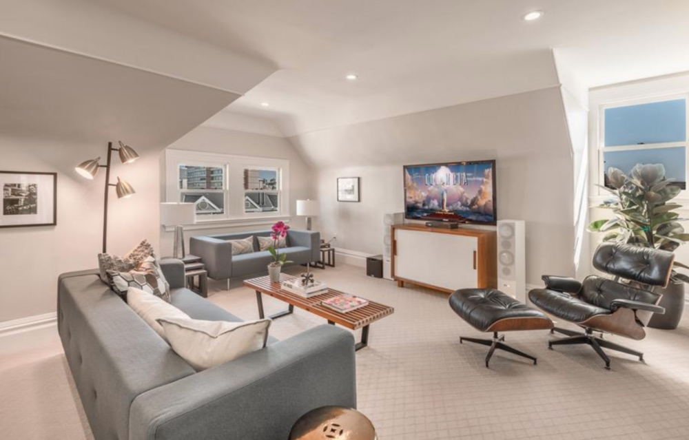 925 Fulton Street - Entertainment Room
