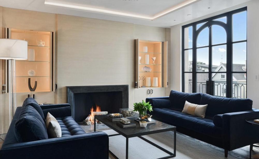 2626 Larkin Street - Living Room