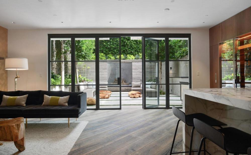 2626 Larkin Street - Living Area
