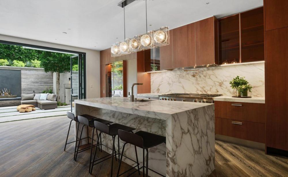 2626 Larkin Street - Kitchen
