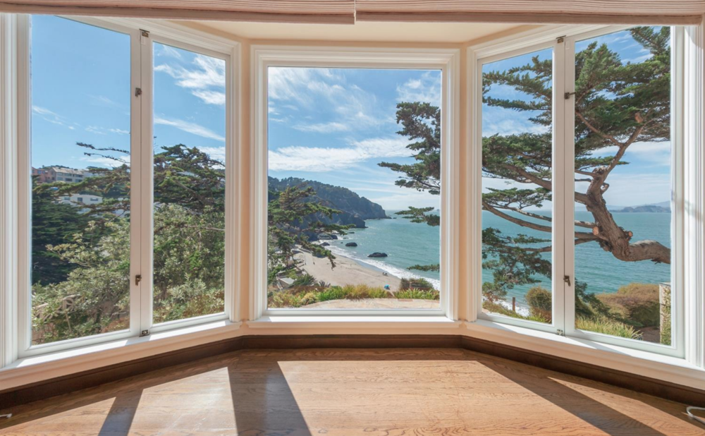 320 Sea Cliff Ave - Living Area