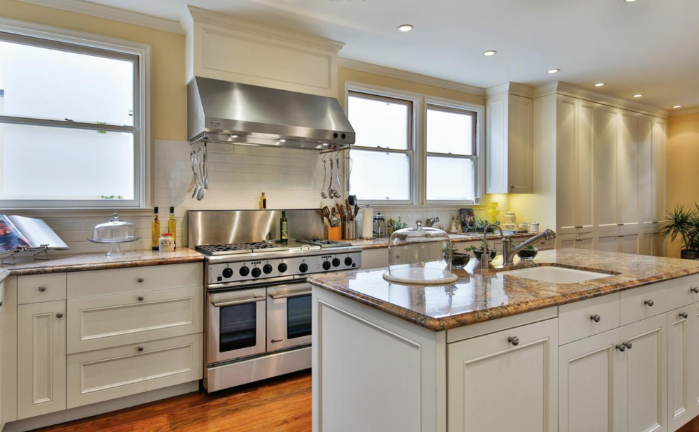 320 Sea Cliff Ave - Kitchen
