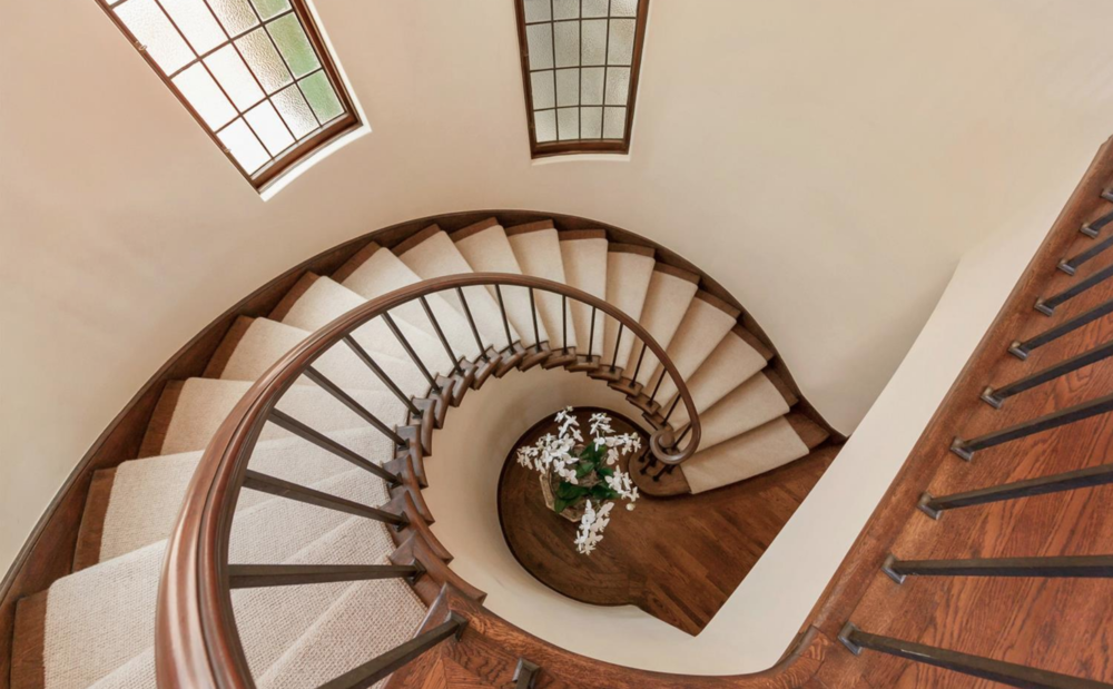320 Sea Cliff Ave - Staircase