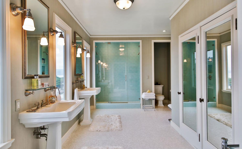 320 Sea Cliff Ave - Bathroom
