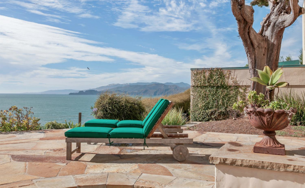 320 Sea Cliff Ave - Backyard