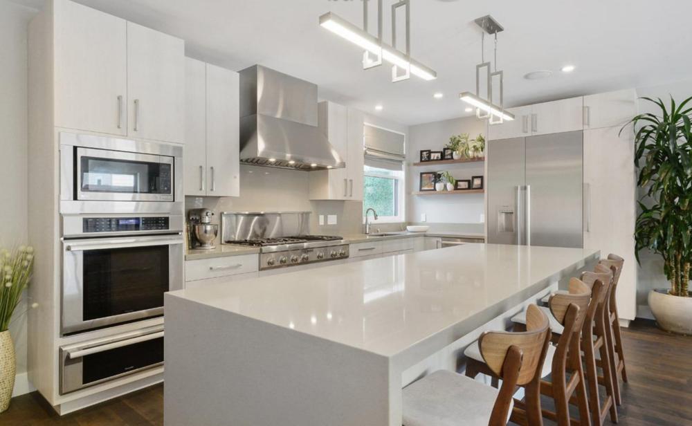 2268 Pine Street - Kitchen