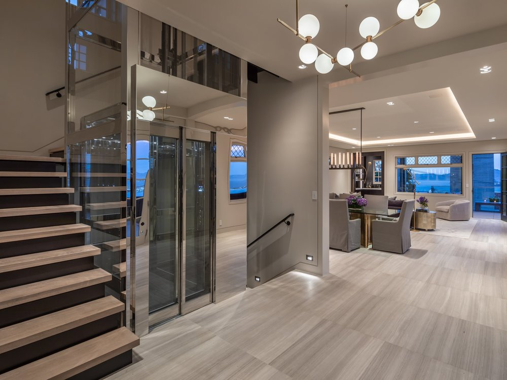950 Lombard Street - Foyer