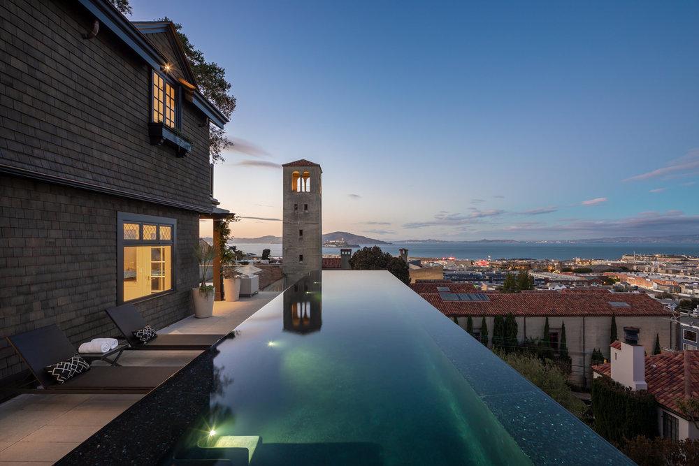 950 Lombard Street - Pool