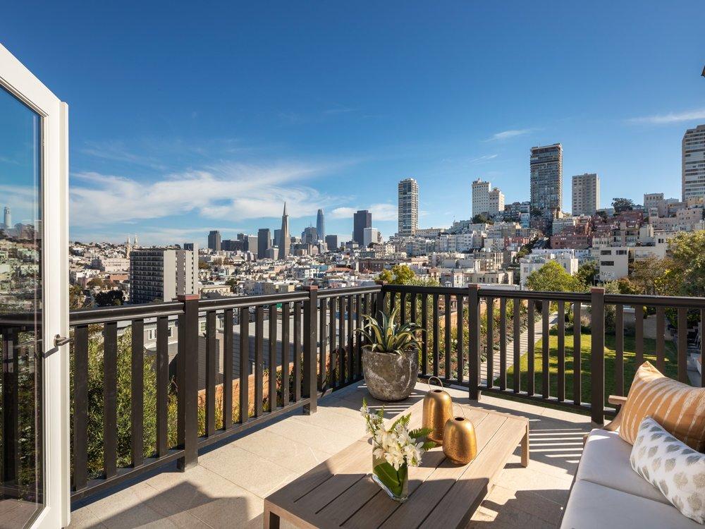 950 Lombard Street - Views