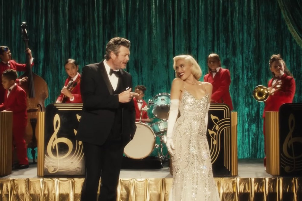 GWEN-BLAKE_YOU MAKE IT FEEL LIKE CHRISTMAS 1.jpg