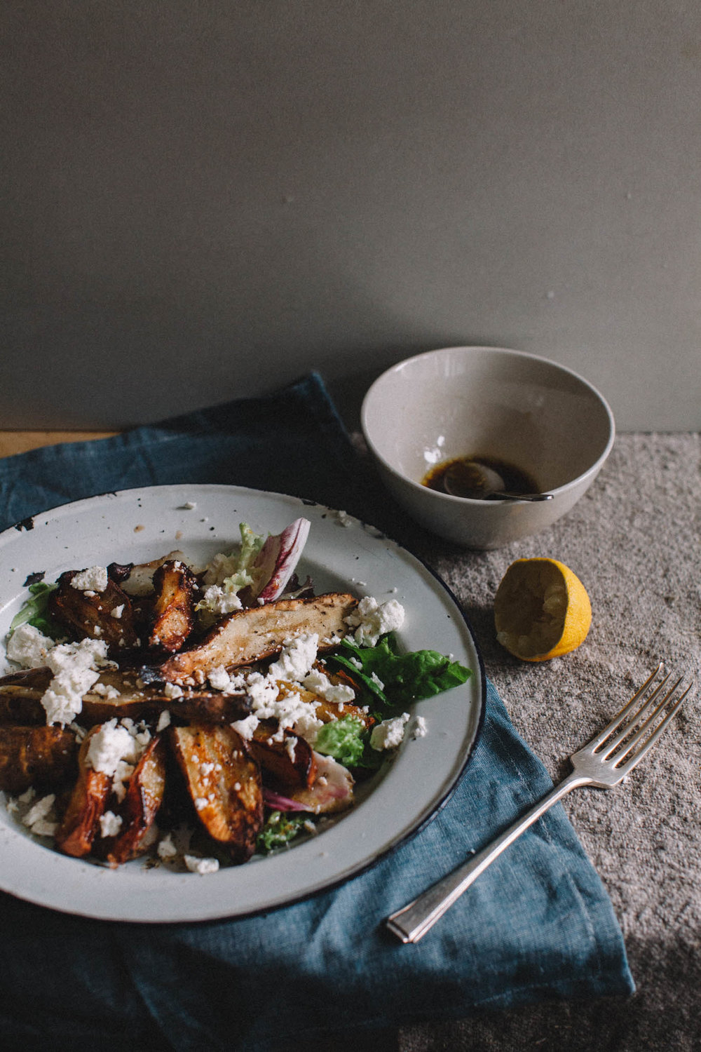 Jerusalem artichoke, pear and goats cheese winter salad. Retreat // Food and lifestyle blog