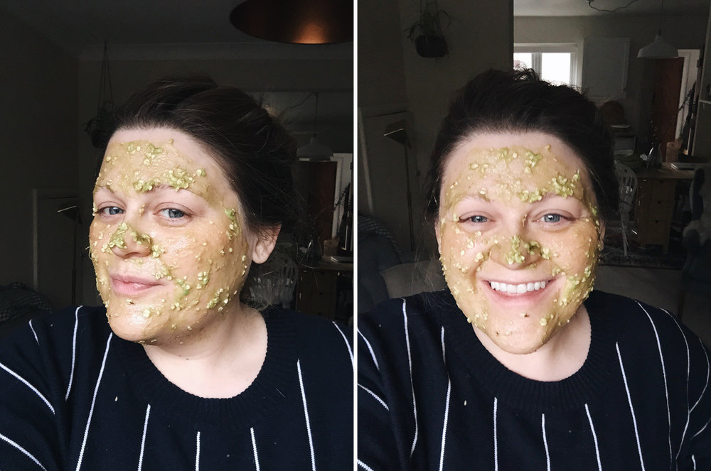 I might look light an extra from a zombie movie but this homemade avacado face mask is a complete wonder! Retreat // food and lifestyle blog.