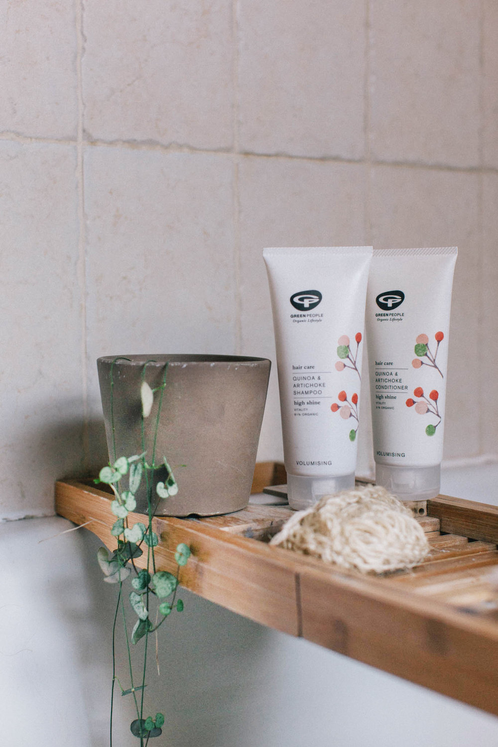 Green People Quinoa and artichoke organic hair care range review. Retreat // a food and lifestyle blog focusing on well being and natural skin care.