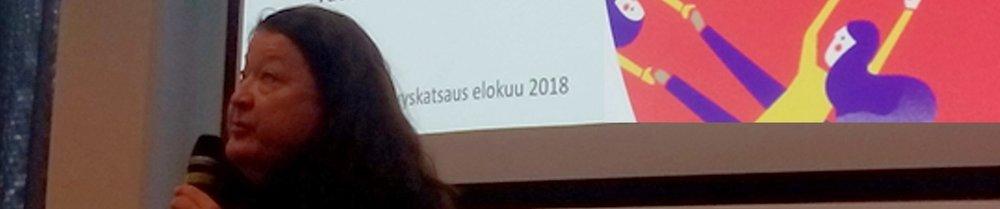 SEGLI-hankkeen kouluttaja Eija Leinonen kertoi sukupuolinäkökulmasta työllisyystilastoissa