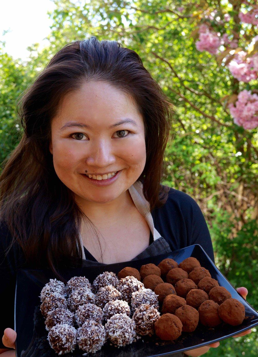 Alaine with Chokladbollar copy.jpg