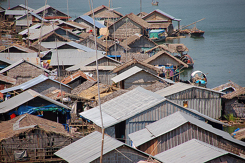 Kompong Cham - Floating Village,  CortoMaltese_1999 , CC BY 2.0
