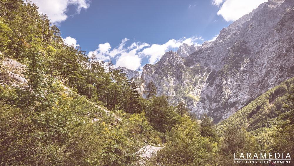 Sloveina - Taken at Logarska dolina in Slovenia. Near to Austria boarder. The mountains are simple breathtaking.