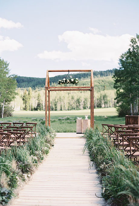Green Aisle Arrangement Ideas