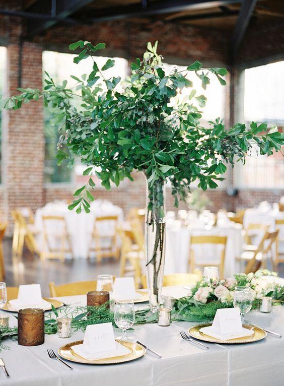 image via  Elegant Wedding Invites