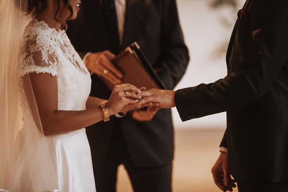 AT-Wedding-Sneakpeek-0032.jpg