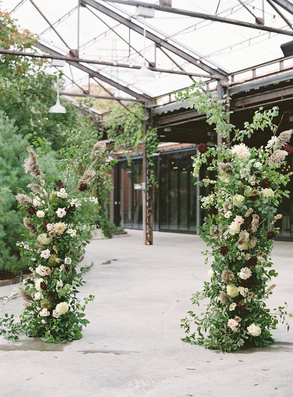 0940-artiese-evergreen-brickworks-wedding-ashleycraig-013.jpg