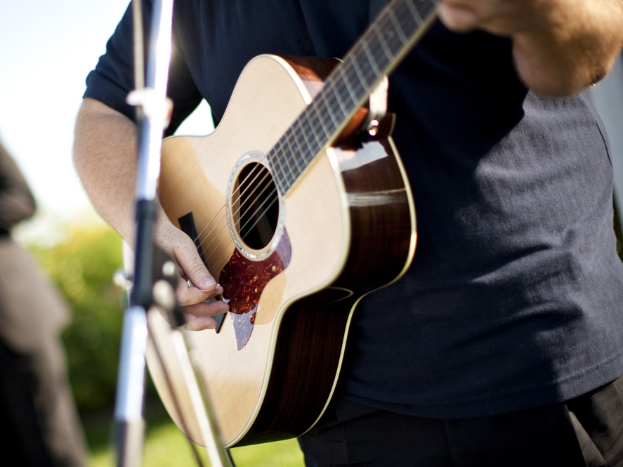 Urban_Disco_Guitar_Live_Acoustic_Duncan_Godefroy