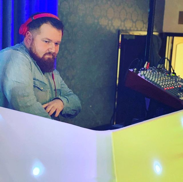 When snow tries to stop the party 🥳 #WhenDJingislife #WeddingDJ #xmaspartyvibes