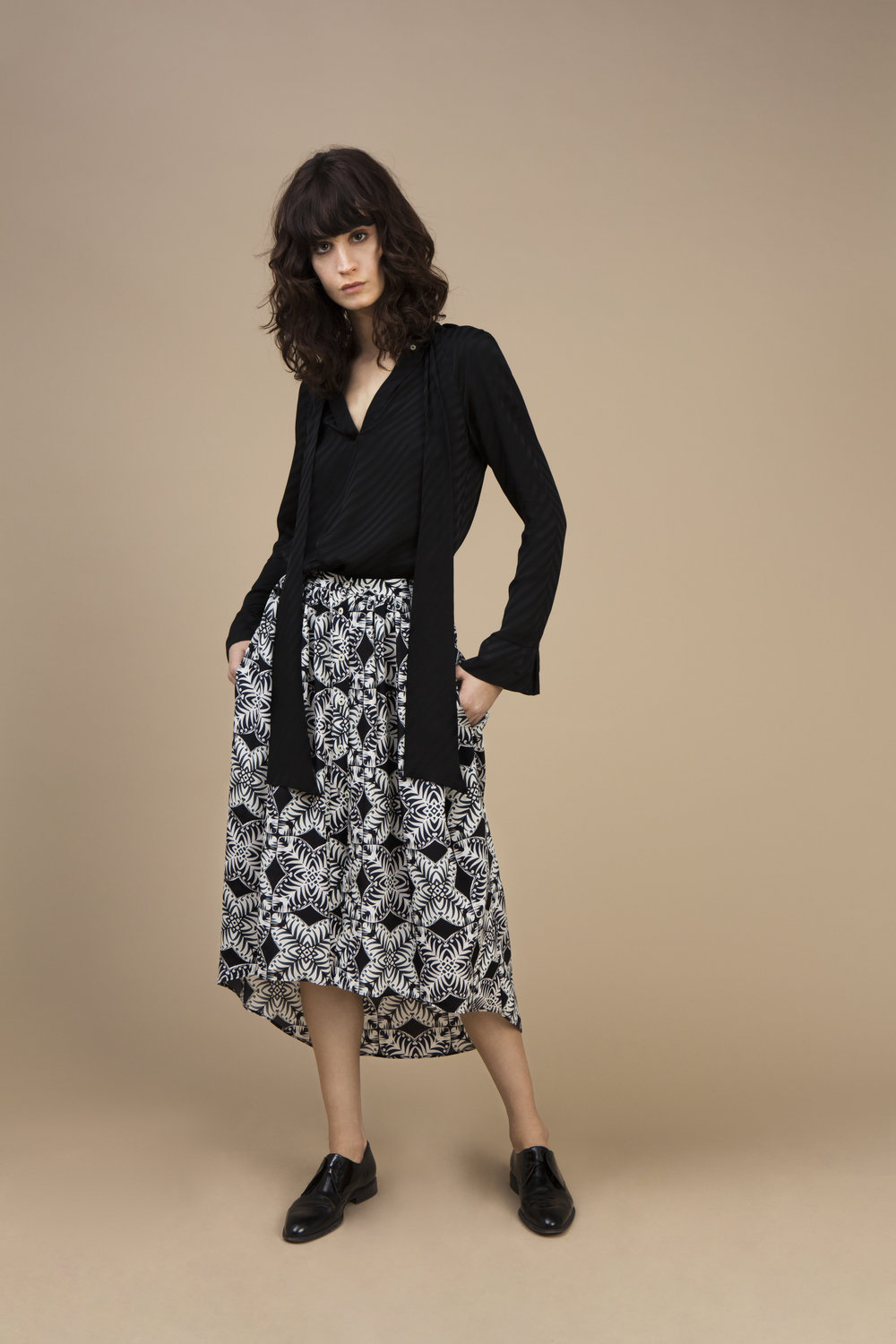Crepe satin silk Ascot top - stripy black and crepe silk Long and asymmetric skirt — Kaleidoscope