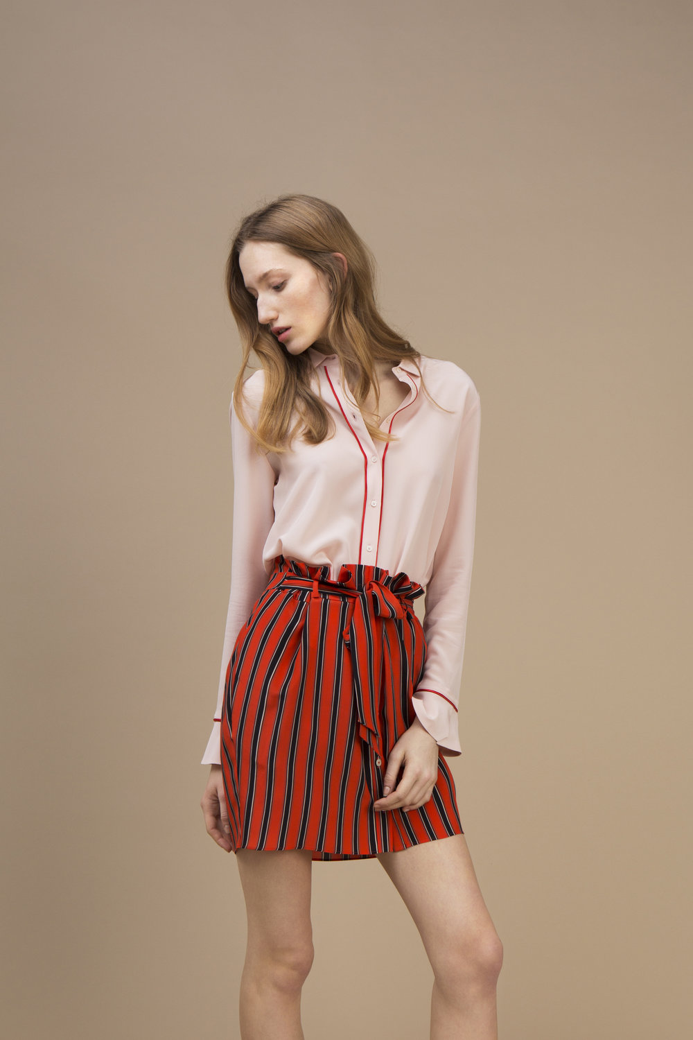 Crepe silk Small collar shirt — Soft Pink and Short waistband skirt in crepe silk — Rock Candy