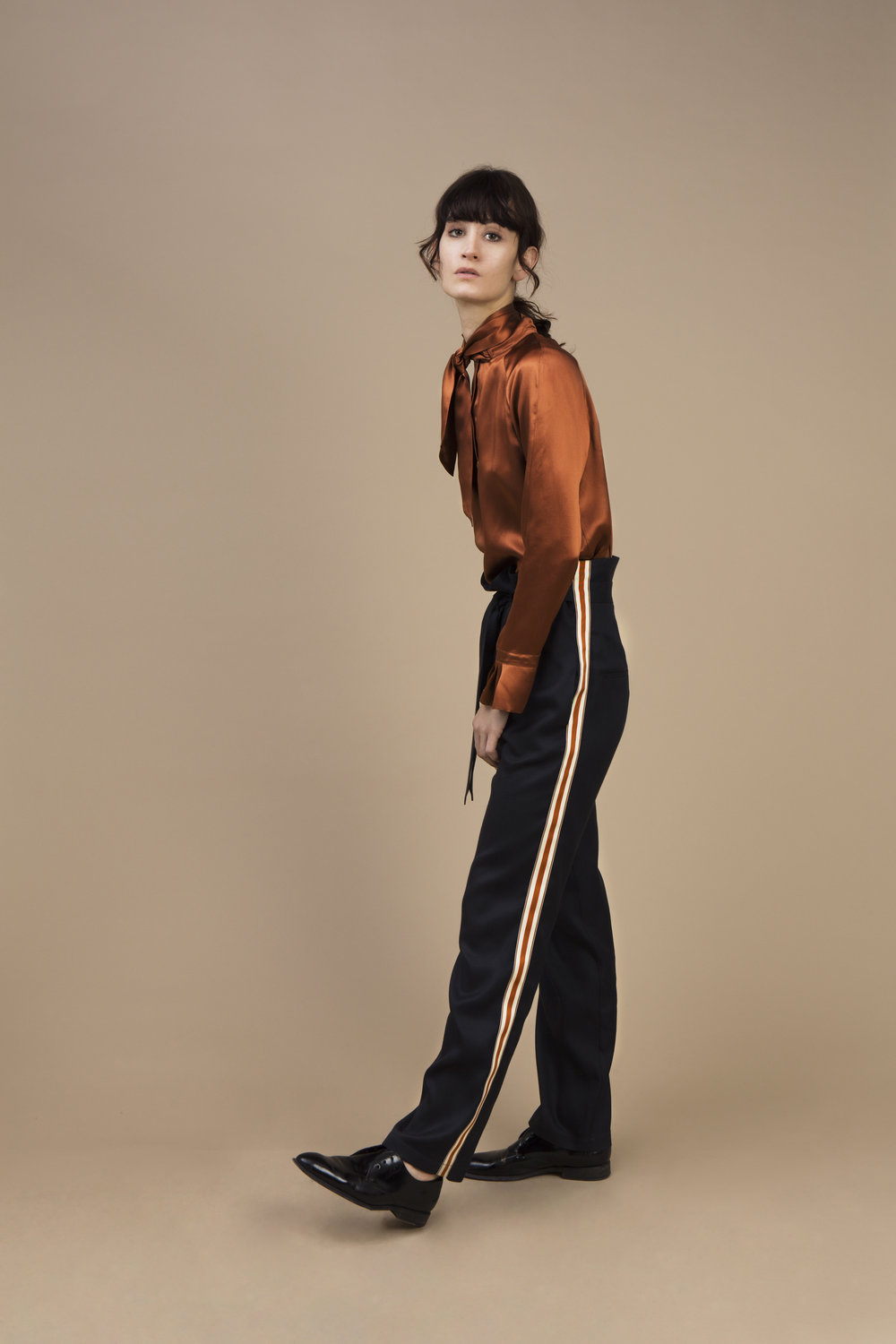 Crepe satin silk Ascot top - amber brown and morrocan crepe silk Highwaist pant — Black