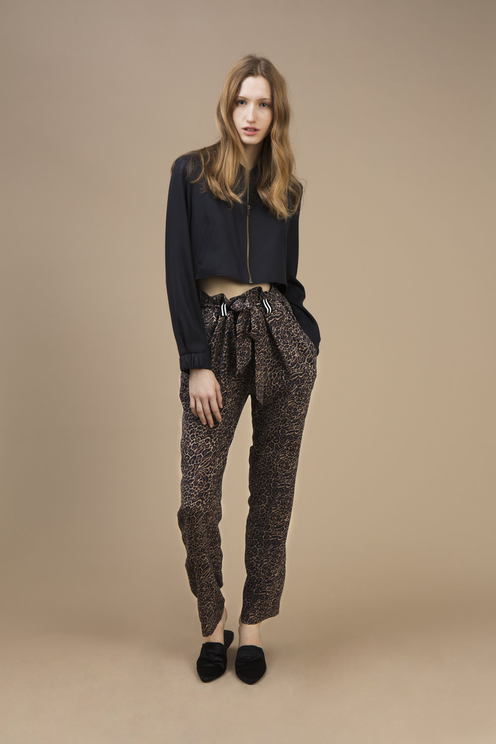 Black velvet Mini teddy jacket and Highwaist pant in crepe silk — Wild Cat