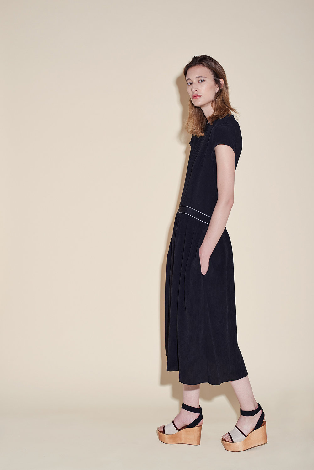 Long dress short sleeves silk crepon black