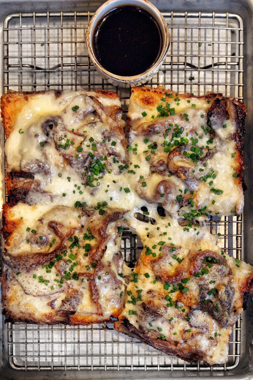 Prime Rib Pizza (special)