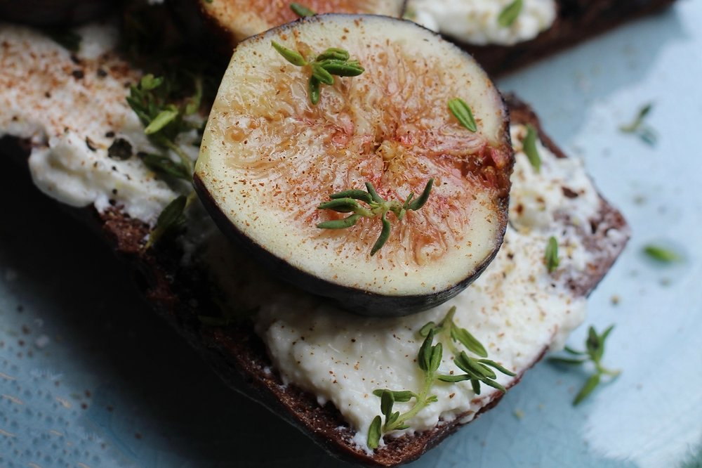 Fig And Ricotta Chocolate Toast