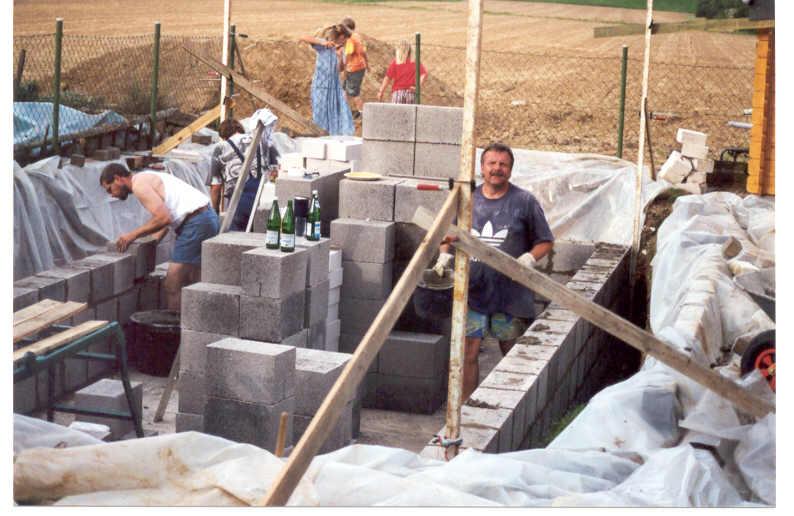 Die aufsteigenden Mauern werden hergestellt -