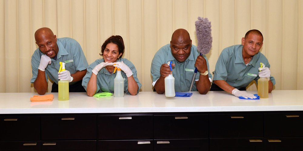 Greenway-Cleaning-Solutions-Team-at-work-10.jpg