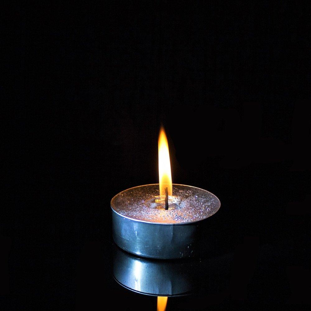 candle-2651278_1920.jpg