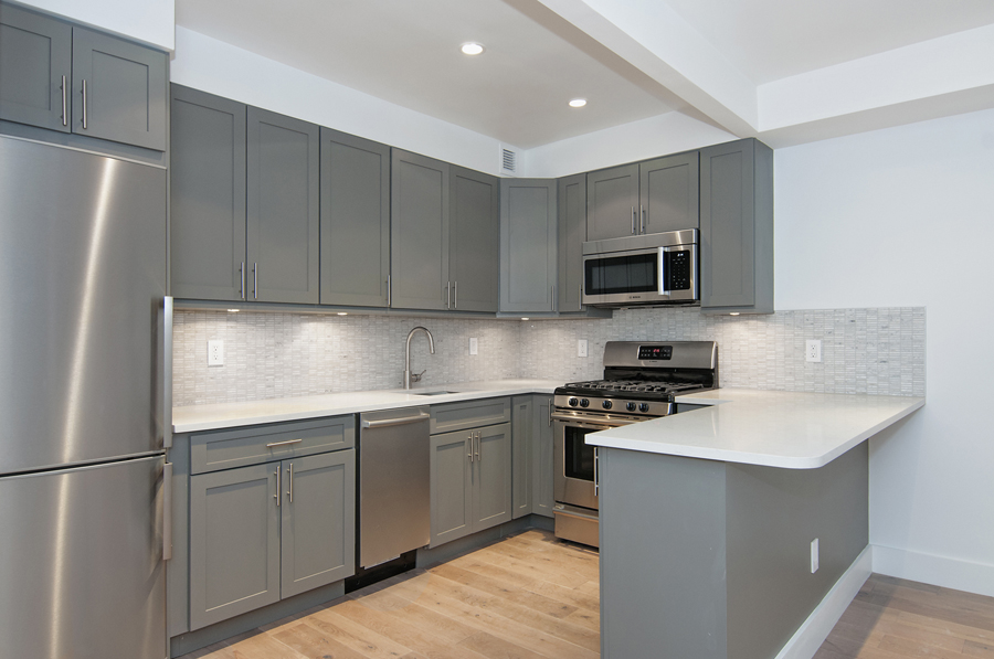 361 East 50th Street_2G_Kitchen2.jpg