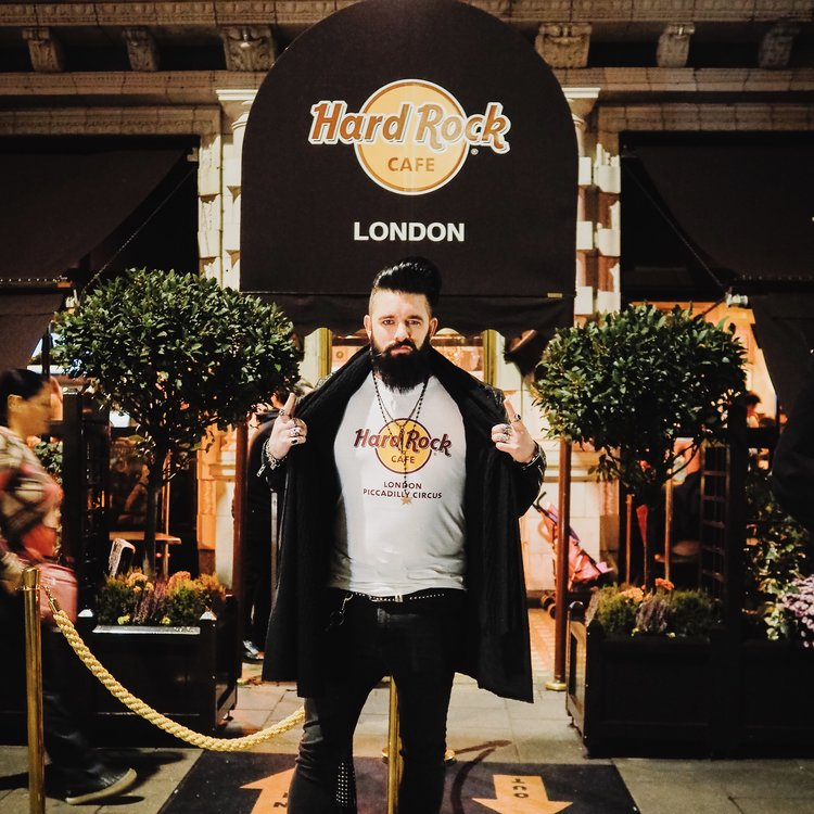 Hard Rock Cafe - As an ambassador for the new Hard Rock Cafe in Piccadilly Circus, Matt was part of the press launch, a guest at the Songs Of War evening with Jack Savoretti and will be working with Hard Rock Cafe on a number of projects throughout the 2019. #HRCPiccadillyCircusRocks