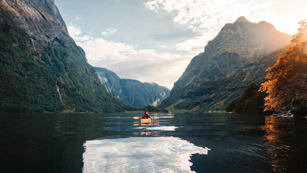 Naeroyfjord Kayaking