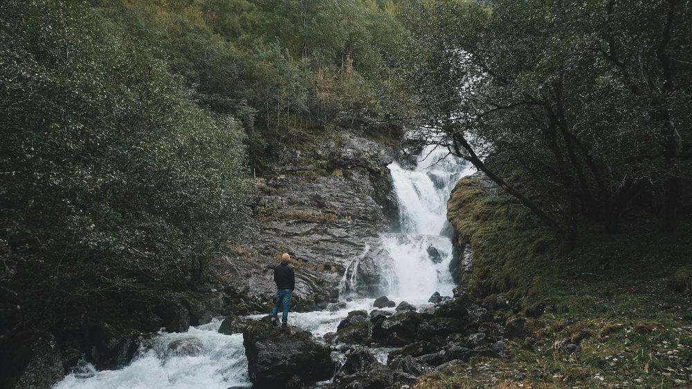 Odnesfossen Naeroyfjord