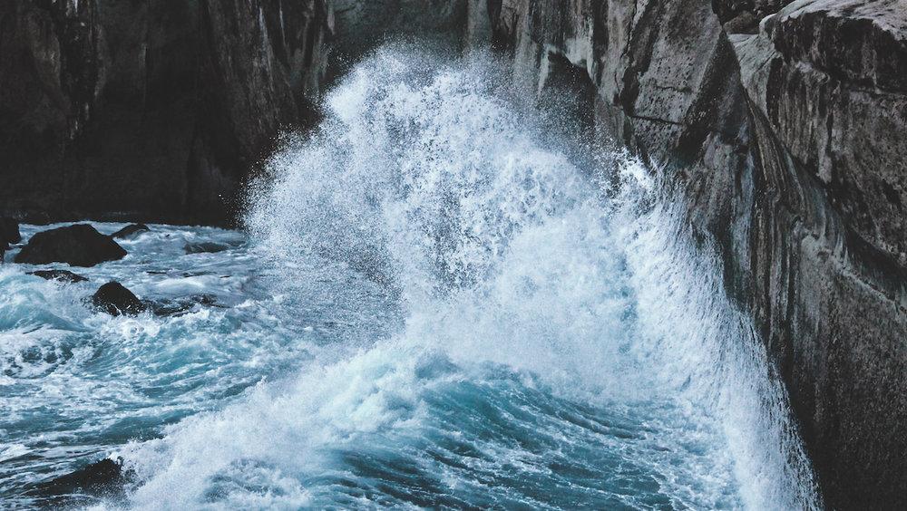Tunnel Beach - Crashing Waves - NZ