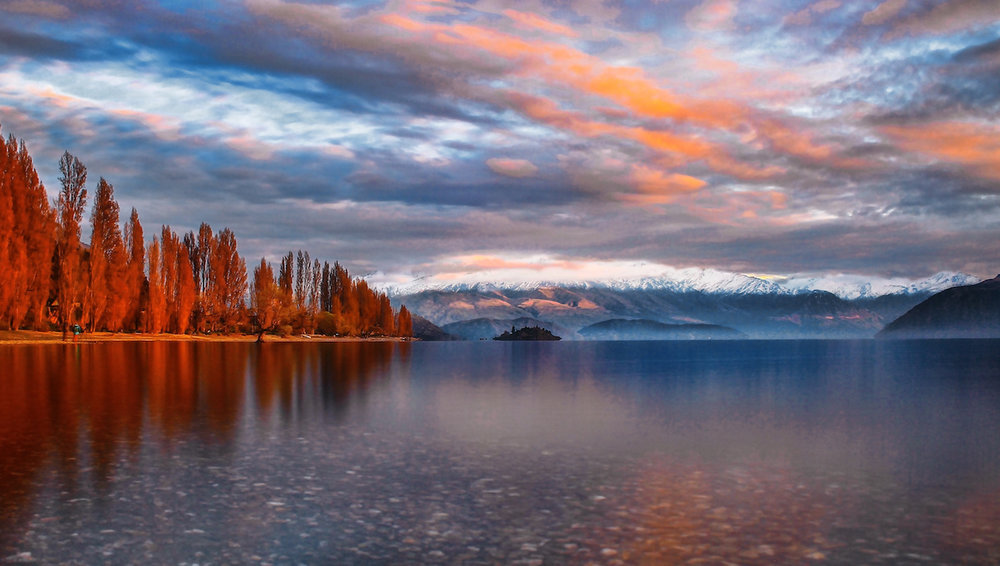 Wanaka - Autumn Lakeside - NZ