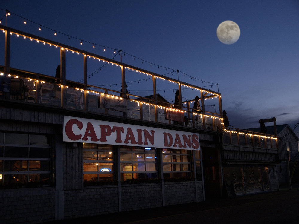 Captain Dan's Ext. night.jpg