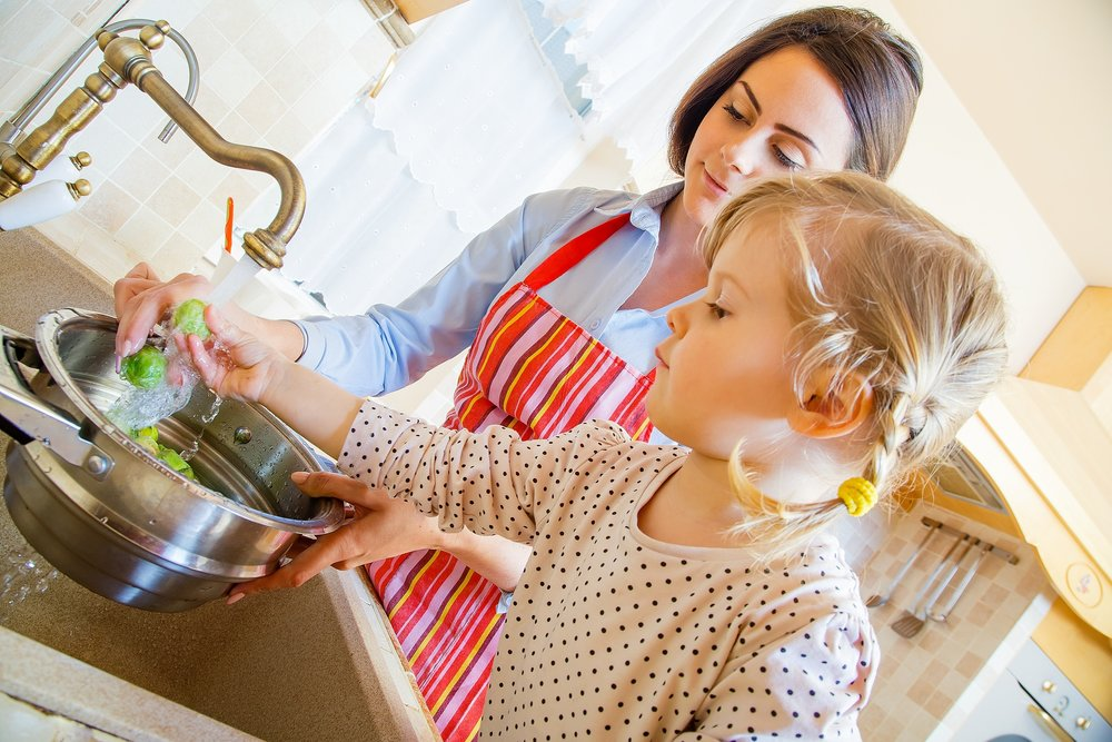 Mom-and-Toddler-washing-vegetables.jpg