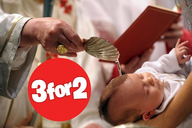 Pope-Ben-Baptism_Of_Child.jpg