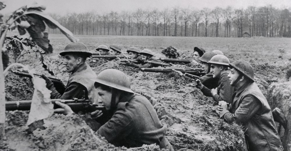 british-soldiers-fighting-in-trenches-P.jpeg