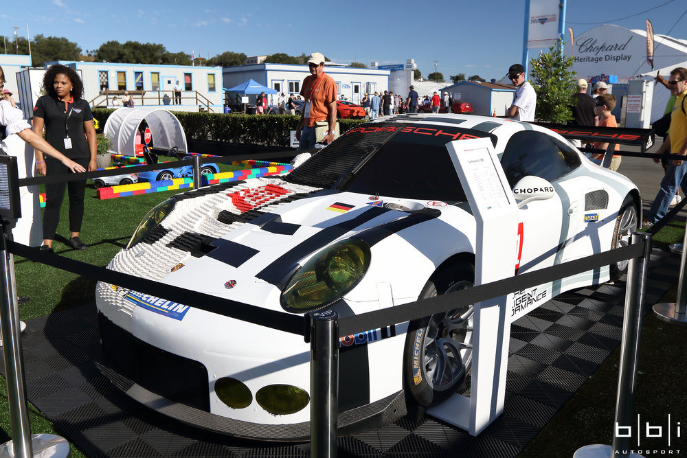 Half of this Porsche 991 RSR is made from 380,000 pieces of Legos in 28 days
